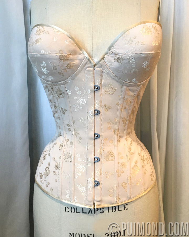 be49ca3b92e The client ordered this corset with cups to wear under her daily vintage  dresses without the need of wearing a separate bra with an underbust corset.